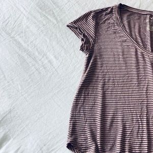 American Eagle Stripped V-neck T-shirt